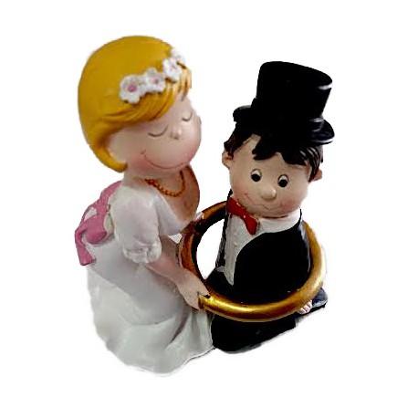 Noivos 15 cms Modecor - noivo dentro aliança