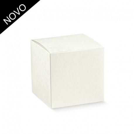 Caixa com bolinhas branca com 10x10x10 cm