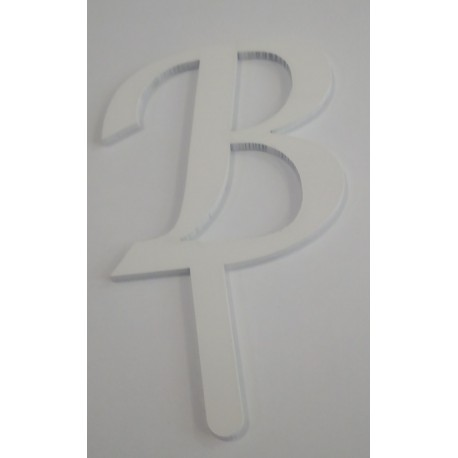 Letra B em acrílico com 5,5 cms altura