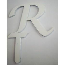 Letra R em acrílico com 5,5 cms altura